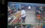 คนร้ายฉกแหวนร้านทองบัวขาว เดินหนีหน้าตาเฉย เจ้าของร้านปิดเงียบงดออกสื่อ กล้องวงจรจับภาพคนร้ายชัดเจน