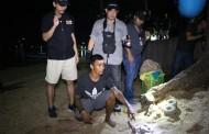 (มีคลิป) ตำรวจพัทยากวาดล้างอาชญากรรม รวบหนุ่มหลอกค้ายาให้นทท.ชายหาดพัทยา